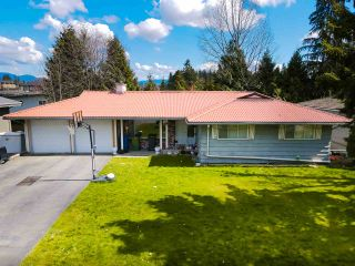 Photo 1: 2266 CASCADE Street in Abbotsford: Abbotsford West House for sale : MLS®# R2562814