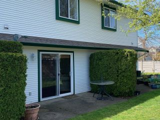 Photo 2: 73 717 Aspen Rd in COMOX: CV Comox (Town of) Row/Townhouse for sale (Comox Valley)  : MLS®# 811391