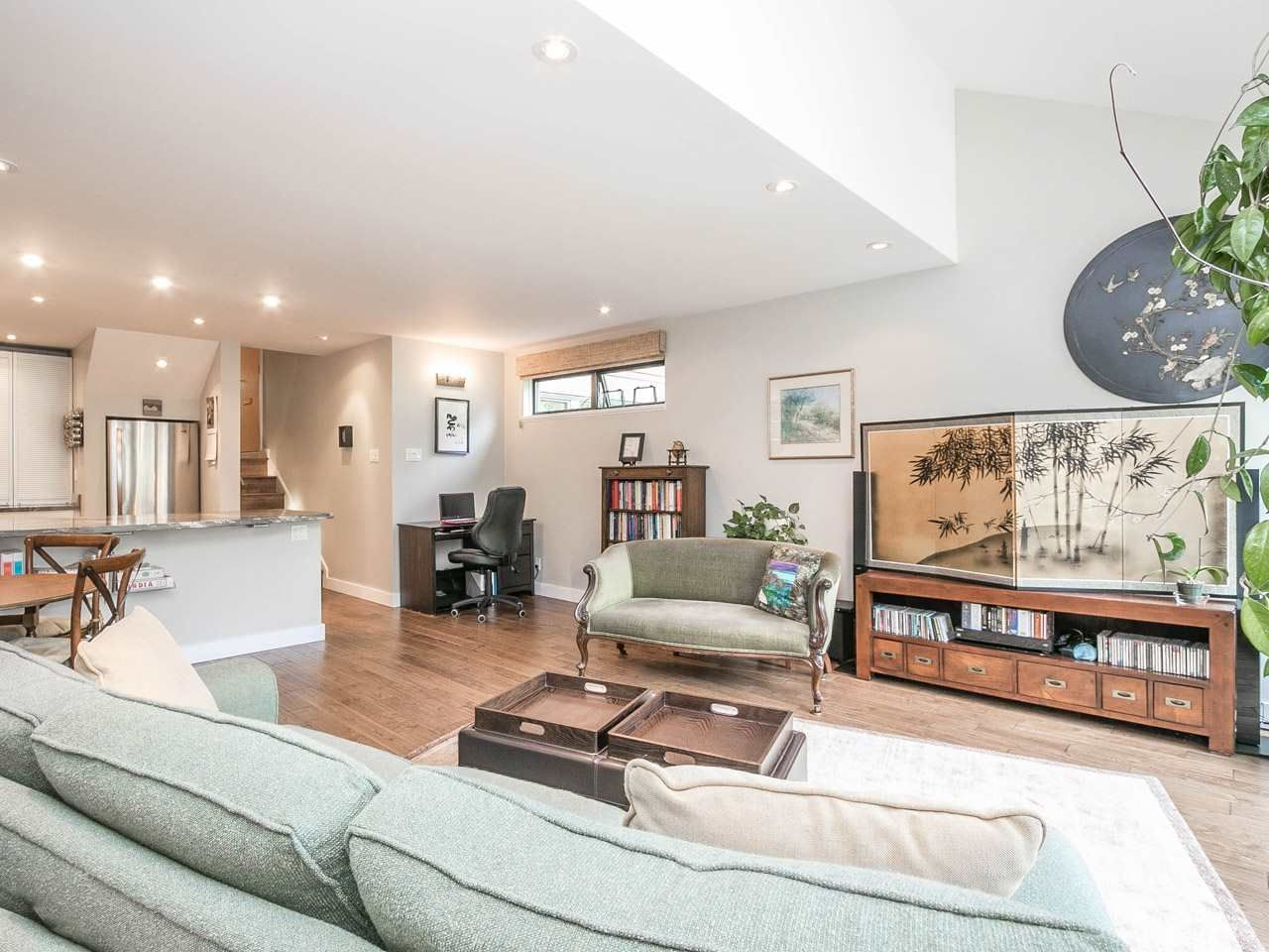 Main Photo: 724 MILLYARD in : False Creek Townhouse for sale : MLS®# R2089664