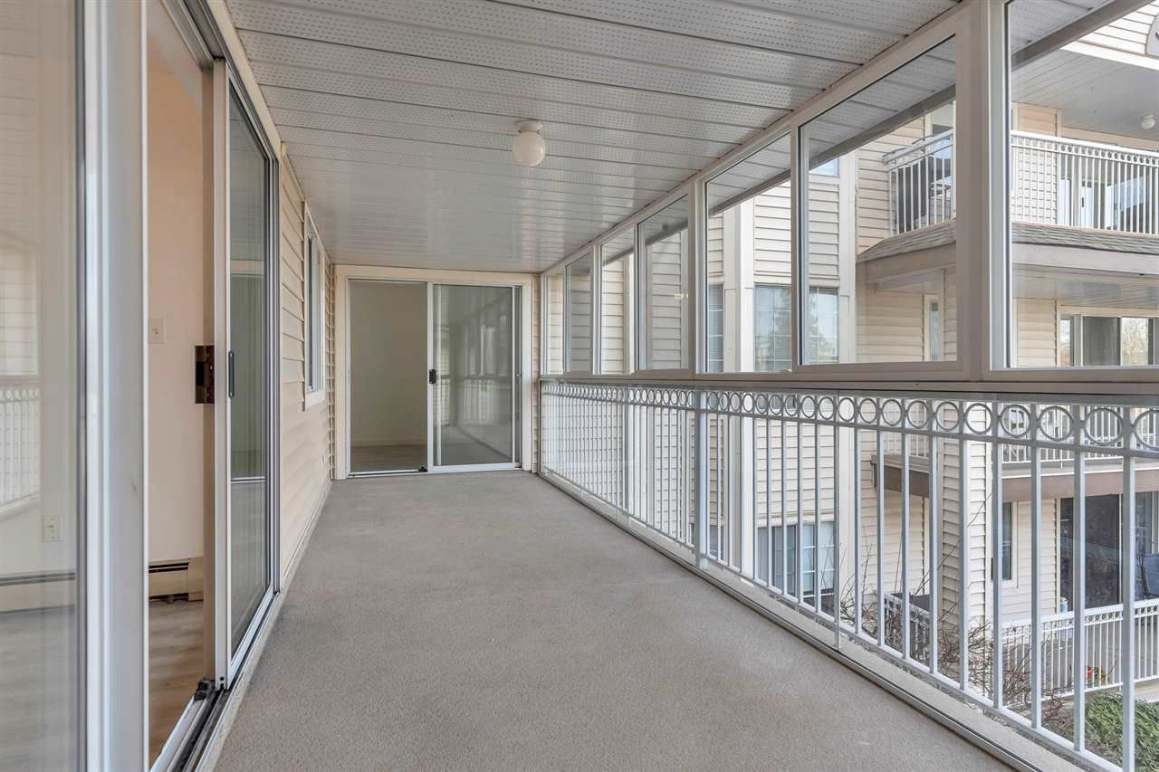 """Photo 12: Photos: 201 2491 GLADWIN Road in Abbotsford: Central Abbotsford Condo for sale in """"Lakewood Gardens"""" : MLS®# R2546752"""