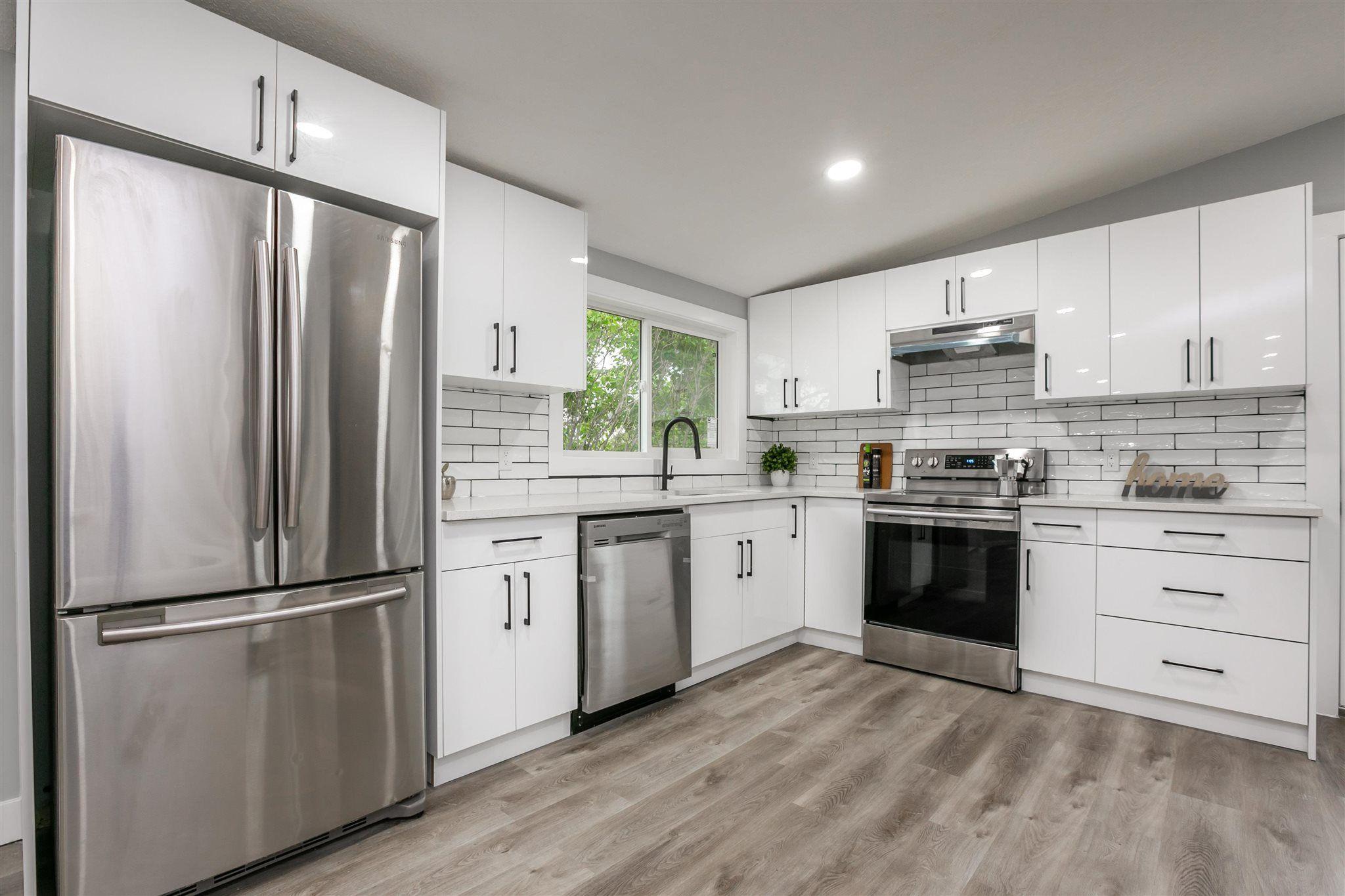 Main Photo: 9151 150 Street in Edmonton: Zone 22 House for sale : MLS®# E4250068
