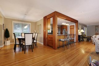 Photo 3: 958 DEVON Road in North Vancouver: Forest Hills NV House for sale : MLS®# R2205971