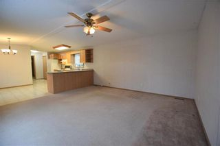 Photo 4: 5 BIRCH Crescent in St Clements: Birdshill Mobile Home Park Residential for sale (R02)  : MLS®# 1932095