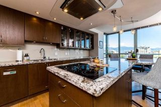 """Photo 5: 602 1633 W 10TH Avenue in Vancouver: Fairview VW Condo for sale in """"Hennessy House"""" (Vancouver West)  : MLS®# R2598122"""