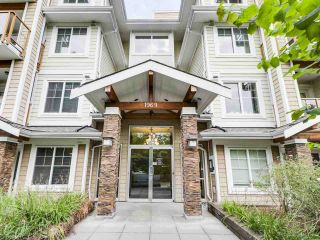 """Photo 2: 304 1969 WESTMINSTER Avenue in Port Coquitlam: Glenwood PQ Condo for sale in """"THE SAPHHIRE"""" : MLS®# R2504819"""
