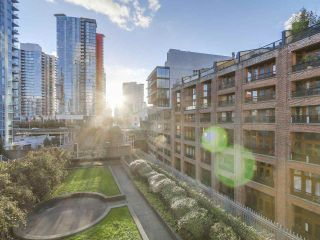 """Photo 11: 501 183 KEEFER Place in Vancouver: Downtown VW Condo for sale in """"PARIS PLACE"""" (Vancouver West)  : MLS®# R2124284"""
