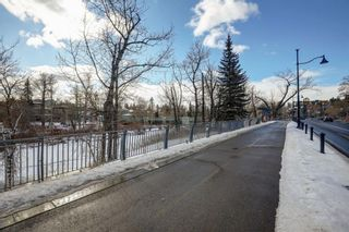 Photo 35: 2726 Montcalm Crescent in Calgary: Upper Mount Royal Detached for sale : MLS®# A1072470