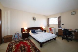Photo 12: 10821 HOLLYMOUNT Drive in Richmond: Steveston North House for sale : MLS®# R2590985