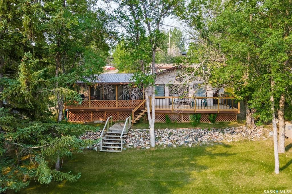 Main Photo: 116 Garwell Drive in Buffalo Pound Lake: Residential for sale : MLS®# SK865399