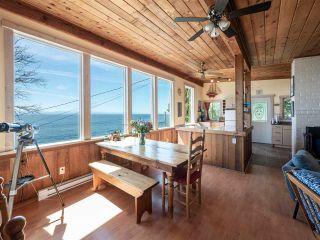 "Photo 1: 1968 OCEAN BEACH Esplanade in Gibsons: Gibsons & Area House for sale in ""BONNIEBROOK BEACH"" (Sunshine Coast)  : MLS®# R2480476"