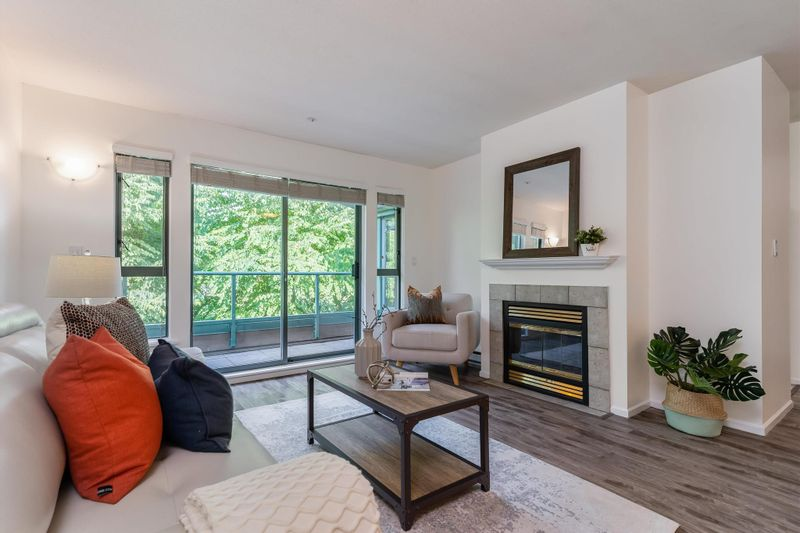FEATURED LISTING: PH12 - 223 MOUNTAIN Highway North Vancouver