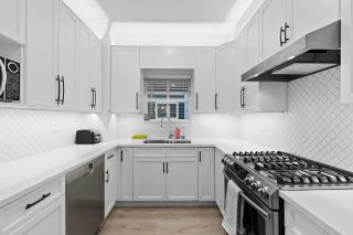 Photo 11: 828 E 10TH Avenue in Vancouver: Mount Pleasant VE 1/2 Duplex for sale (Vancouver East)  : MLS®# R2612404