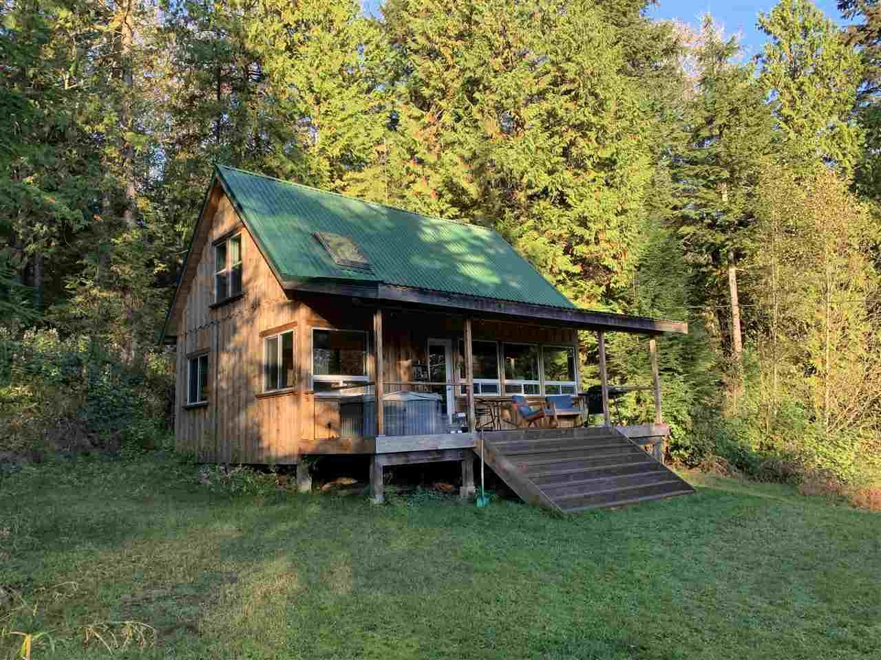 Main Photo: 815 THE GROVE Road: Gambier Island House for sale (Sunshine Coast)  : MLS®# R2510782