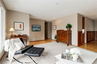 Photo 4: 6124 LEWIS Drive SW in Calgary: Lakeview Detached for sale : MLS®# C4293385