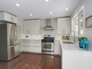 """Photo 4: 6076 HIGHBURY Street in Vancouver: Southlands House for sale in """"Southlands"""" (Vancouver West)  : MLS®# R2301534"""