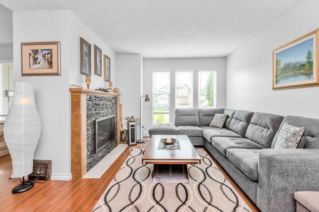 "Photo 6: Photos: 11891 CHERRINGTON Place in Maple Ridge: West Central House for sale in ""WEST MAPLE RIDGE"" : MLS®# R2600511"