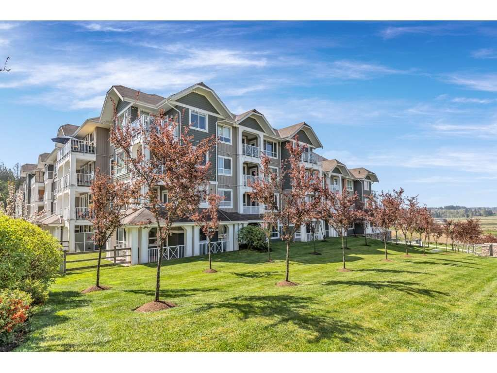 """Main Photo: 113 16398 64 Avenue in Surrey: Cloverdale BC Condo for sale in """"The Ridge at Bose Farms"""" (Cloverdale)  : MLS®# R2570925"""