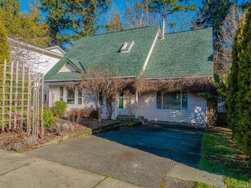 FEATURED LISTING: 276 Laurence Park Way NANAIMO
