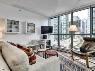 """Photo 4: 1002 1238 MELVILLE Street in Vancouver: Coal Harbour Condo for sale in """"Pointe Claire"""" (Vancouver West)  : MLS®# R2416117"""
