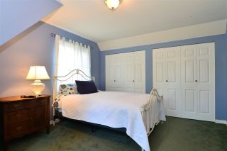 """Photo 18: 1851 129 Street in Surrey: Crescent Bch Ocean Pk. House for sale in """"Ocean Park"""" (South Surrey White Rock)  : MLS®# R2293951"""