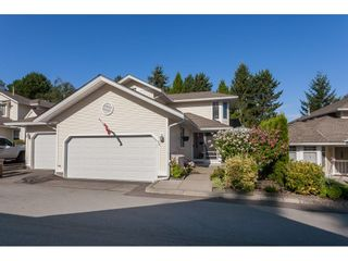 "Photo 1: 29 8737 212 Street in Langley: Walnut Grove Townhouse for sale in ""Chartwell Green"" : MLS®# R2482959"