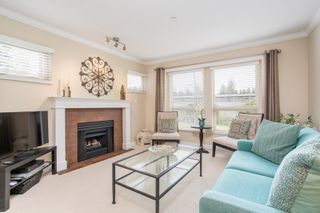 """Photo 3: 214 843 22ND Street in West Vancouver: Dundarave Condo for sale in """"TUDOR GARDENS"""" : MLS®# R2528064"""