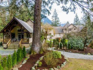 Photo 6: 800 HOT SPRINGS Road: Harrison Hot Springs House for sale : MLS®# R2583449