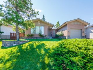 Photo 1: 307 Silver Springs Rise NW in Calgary: Silver Springs Detached for sale : MLS®# A1025605