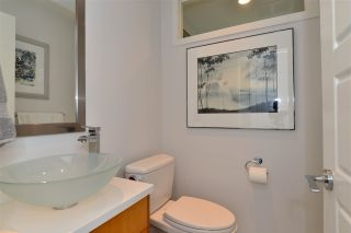 Photo 11: 1215 PARKER Street: White Rock House for sale (South Surrey White Rock)  : MLS®# R2097862