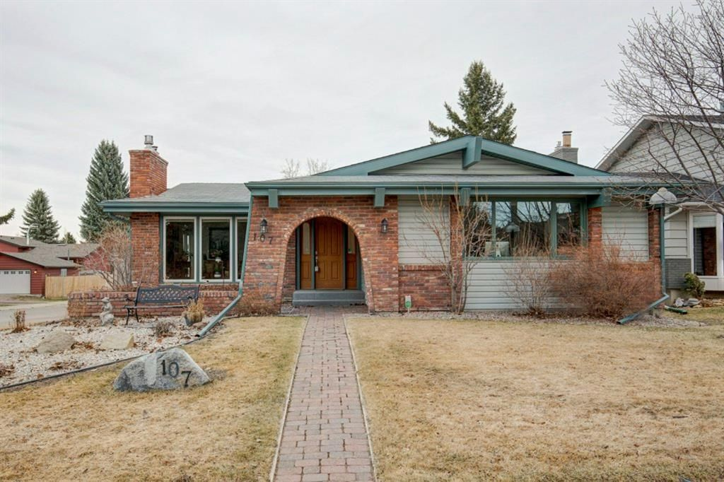 Main Photo: 107 Parkview Green SE in Calgary: Parkland Detached for sale : MLS®# A1092531