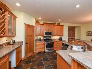 Photo 4: 2441 Tutor Dr in COMOX: CV Comox (Town of) House for sale (Comox Valley)  : MLS®# 845329