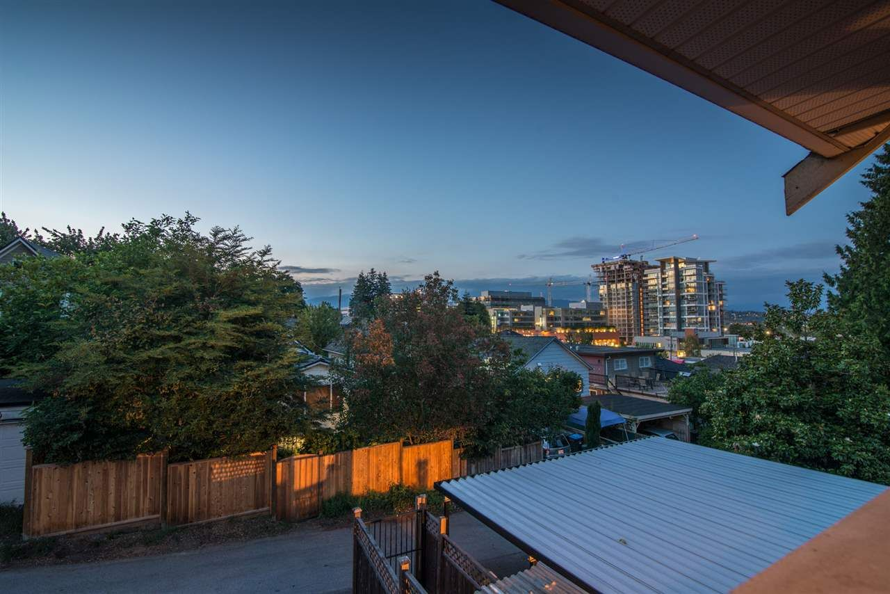 Main Photo: 129B DEBECK Street in New Westminster: Sapperton 1/2 Duplex for sale : MLS®# R2418418