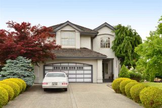 """Photo 2: 13669 58 Avenue in Surrey: Panorama Ridge House for sale in """"Panorama"""" : MLS®# R2073217"""