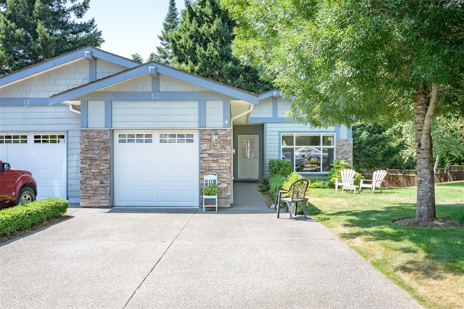 Main Photo: 63 2001 Blue Jay Pl in : CV Courtenay East Row/Townhouse for sale (Comox Valley)  : MLS®# 882209