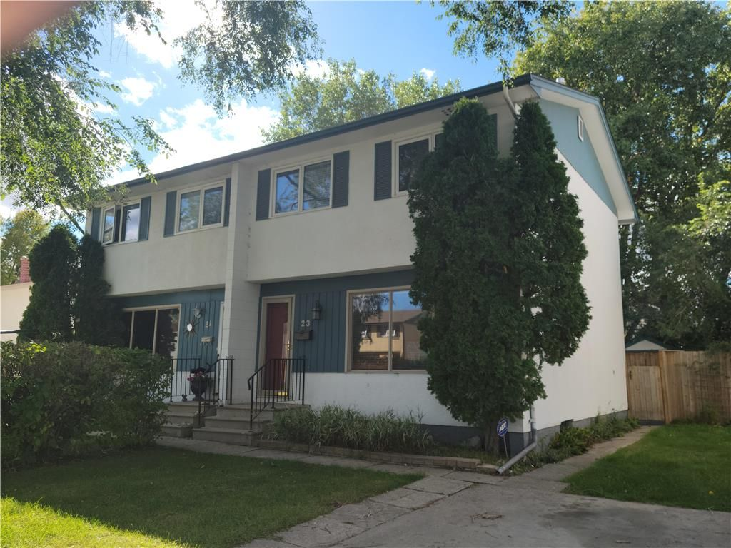 Main Photo: 23 Wiltshire Bay in Winnipeg: Windsor Park Residential for sale (2G)  : MLS®# 202122907