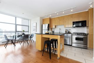 "Photo 5: 1103 989 BEATTY Street in Vancouver: Yaletown Condo for sale in ""Nova"" (Vancouver West)  : MLS®# R2554317"