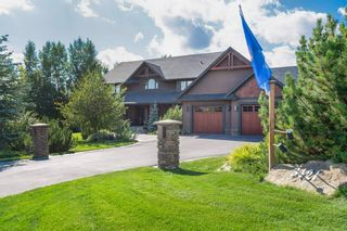 Main Photo: 3421 85 Street SW in Calgary: Springbank Hill Detached for sale : MLS®# A1153058