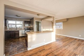 Photo 3: 2619 Albert Avenue in Saskatoon: Avalon Residential for sale : MLS®# SK851670