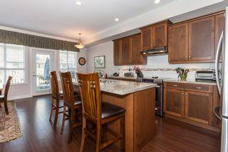 Photo 3: 44 7848 170 STREET in VANTAGE: Fleetwood Tynehead Home for sale ()  : MLS®# R2124050