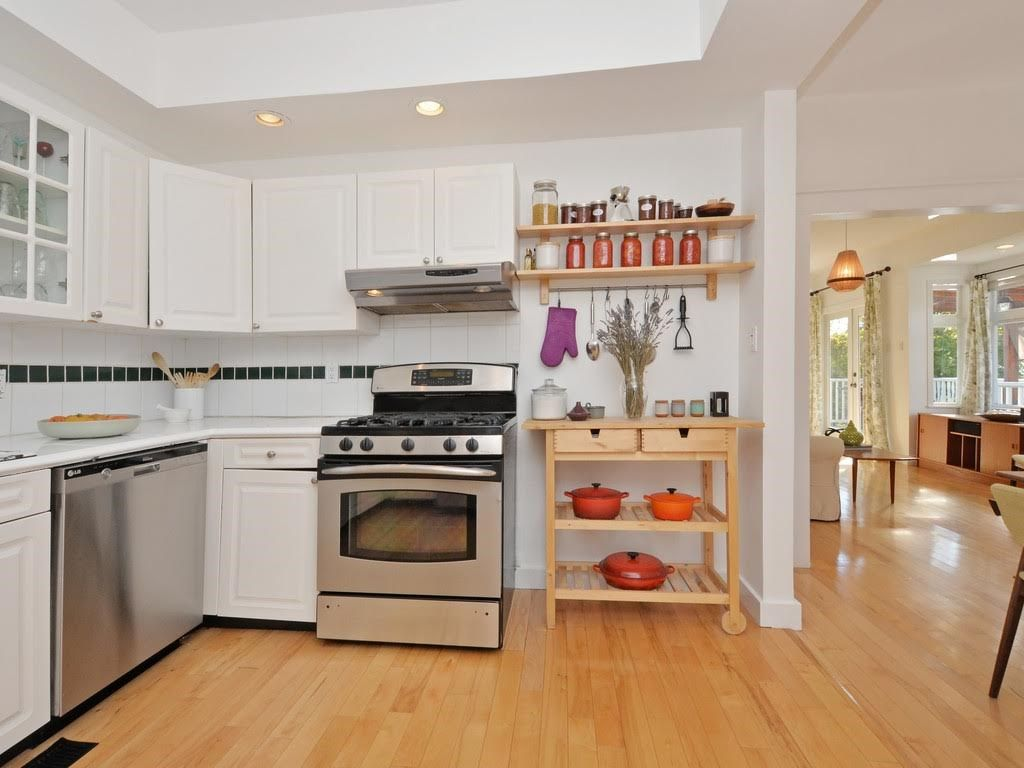 Photo 11: Photos: 728 E 7TH Street in North Vancouver: Queensbury House for sale : MLS®# R2114157