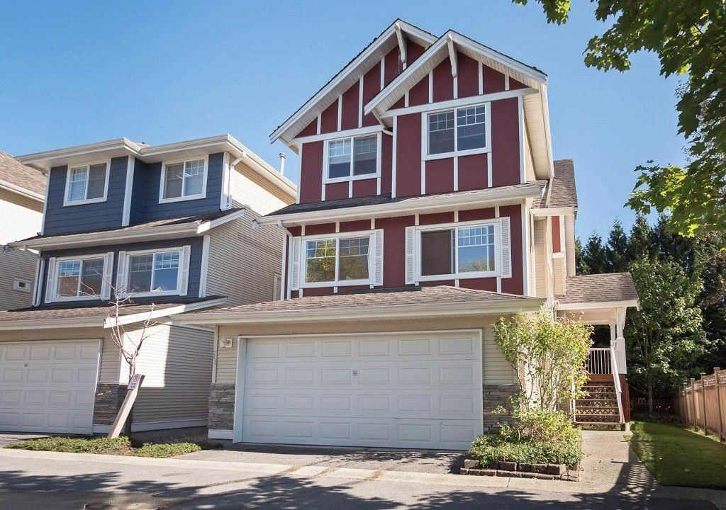 """Main Photo: 11 1108 RIVERSIDE Close in Port Coquitlam: Riverwood Townhouse for sale in """"HERITAGE MEADOWS"""" : MLS®# R2217321"""