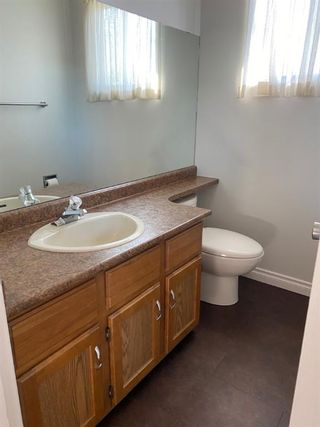 Photo 13: 554 STRATHCONA Drive SW in Calgary: Strathcona Park Semi Detached for sale : MLS®# A1020759