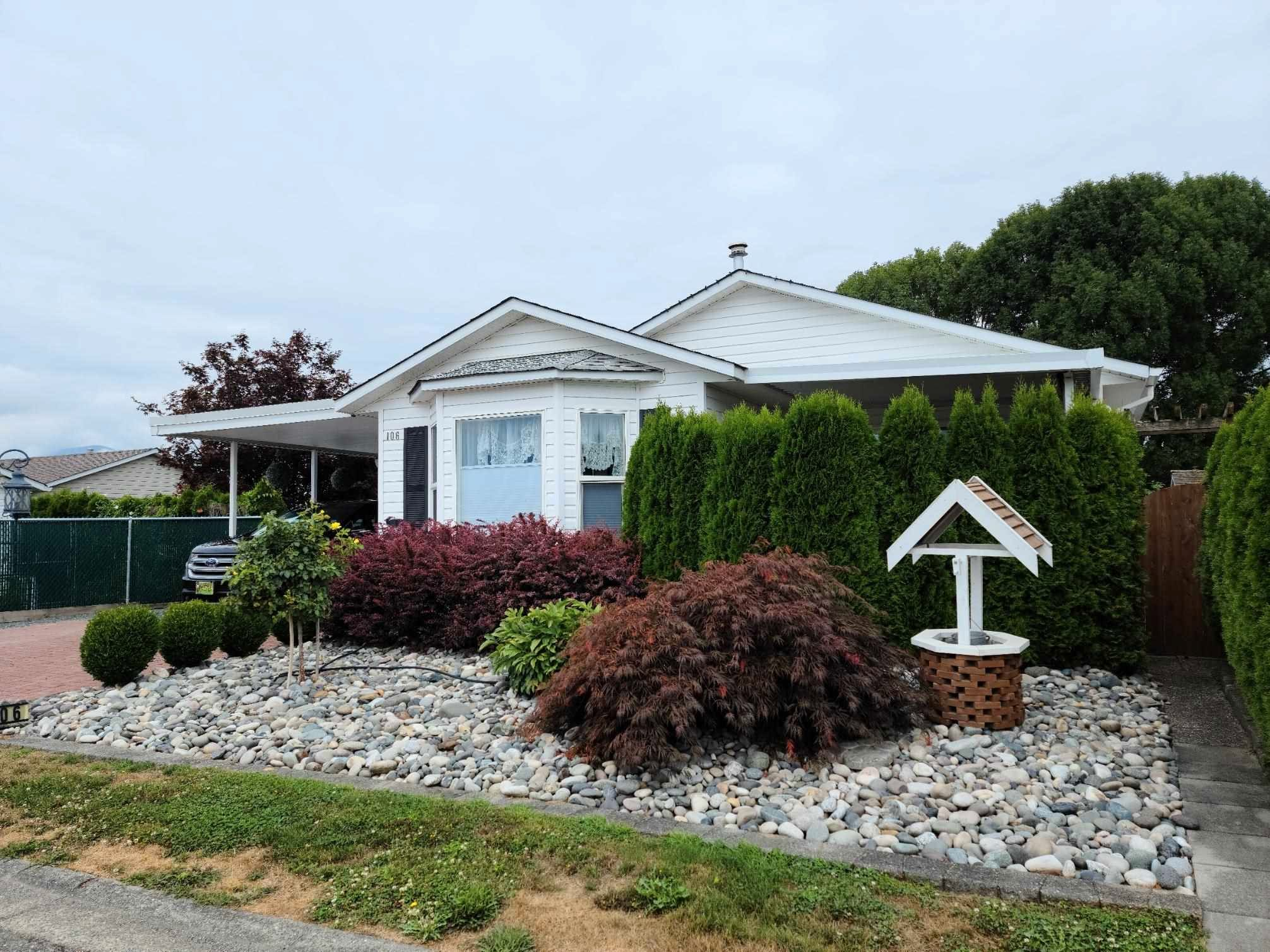 """Main Photo: 106 45918 KNIGHT Road in Chilliwack: Sardis East Vedder Rd House for sale in """"Country Park"""" (Sardis)  : MLS®# R2607919"""