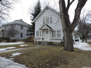 Photo 1: 108 3rd Avenue North in Yorkton: Residential for sale : MLS®# SK849003