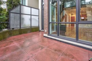 """Photo 16: 111 10 RENAISSANCE Square in New Westminster: Quay Condo for sale in """"MURANO LOFTS"""" : MLS®# R2431581"""
