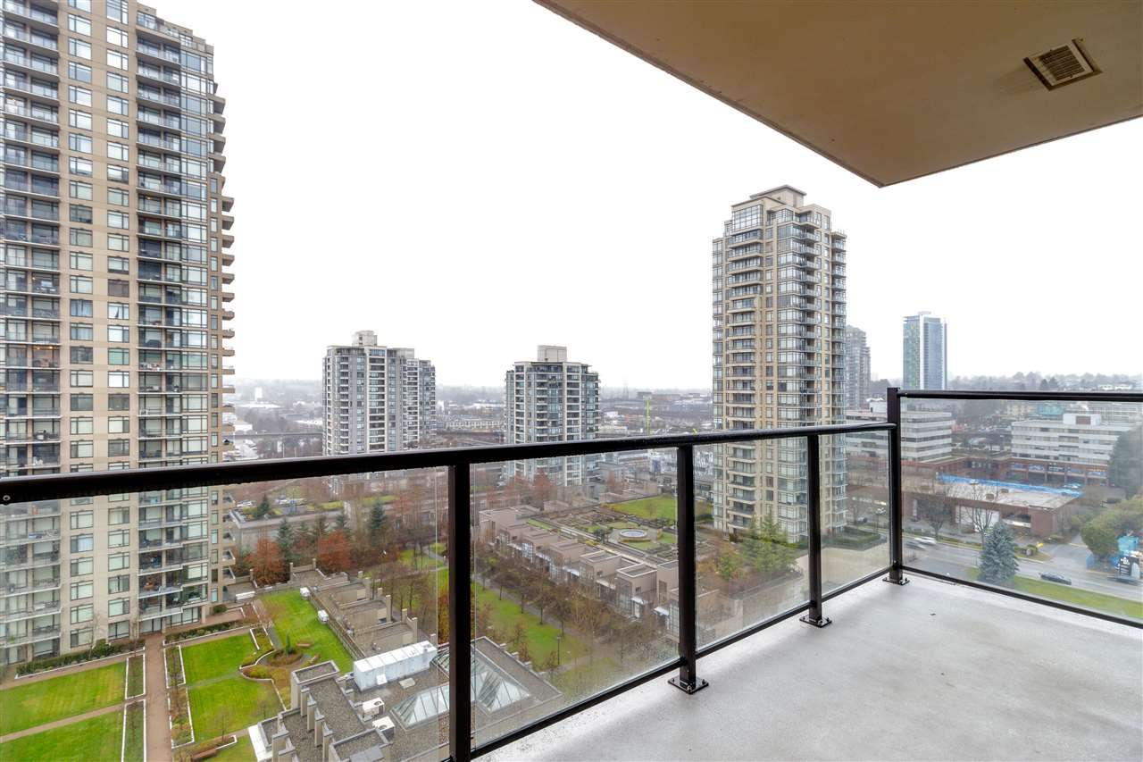 "Photo 18: Photos: 1504 2355 MADISON Avenue in Burnaby: Brentwood Park Condo for sale in ""OMA 1"" (Burnaby North)  : MLS®# R2423888"