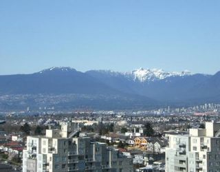 """Photo 9: 2005 5189 GASTON Street in Vancouver: Collingwood VE Condo for sale in """"THE MACGREGOR"""" (Vancouver East)  : MLS®# V812038"""