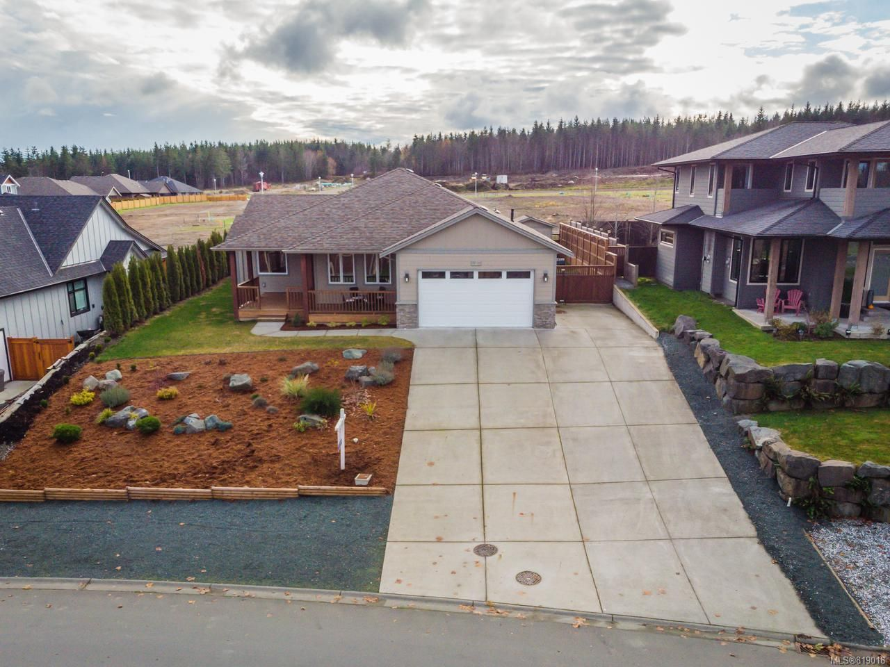 Main Photo: 323 Maryland Rd in CAMPBELL RIVER: CR Willow Point House for sale (Campbell River)  : MLS®# 819018