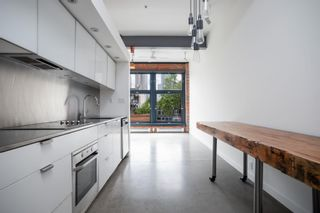 """Photo 5: 302 53 W HASTINGS Street in Vancouver: Downtown VW Condo for sale in """"PARIS BLOCK"""" (Vancouver West)  : MLS®# R2608503"""