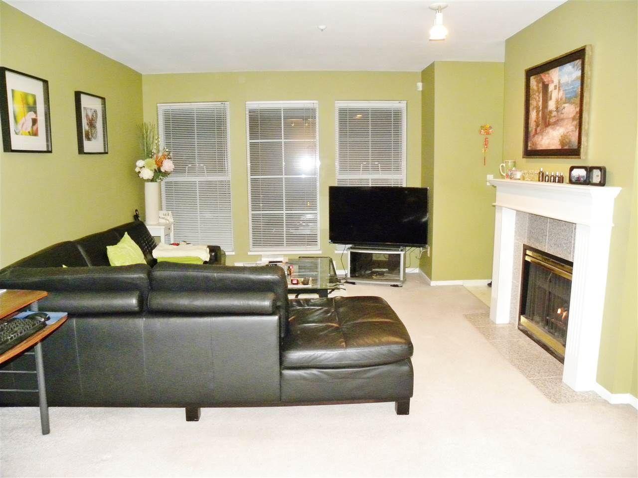 "Main Photo: 305 888 GAUTHIER Avenue in Coquitlam: Coquitlam West Condo for sale in ""LA BRITTANY"" : MLS®# R2041119"